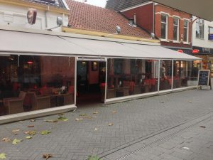 Terras wit breed zeil